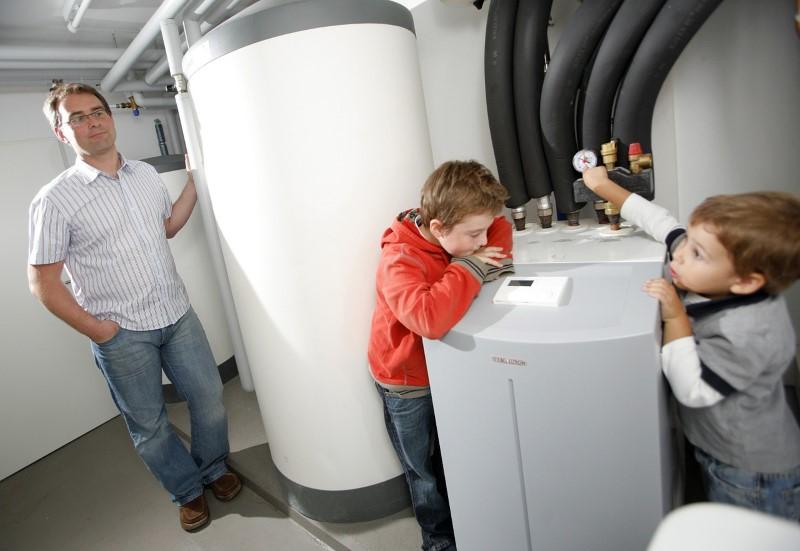 Toplotna črpalka se napaja izključno z električno energijo